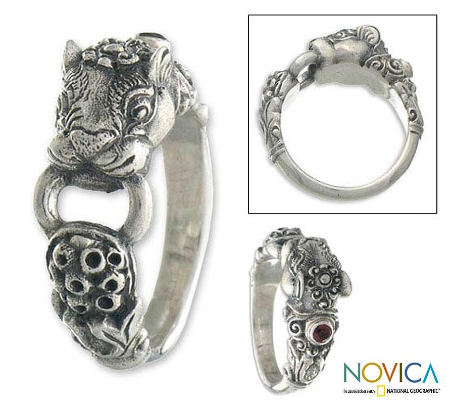 Sterling Silver 'Silver Tiger' Garnet Cocktail Ring (Indonesia)