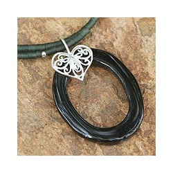 Sterling Silver 'Happy Heart' Onyx Chlorite Choker (Thailand)