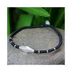 Silver 'Tribal Minimalism' Polyester Bracelet (Thailand)