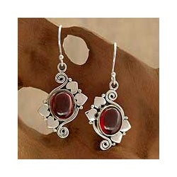 Sterling Silver 'Love Notes' Garnet Earrings (India)
