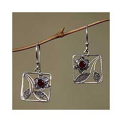 Sterling Silver 'Bali Daisy' Garnet Earrings (Indonesia)