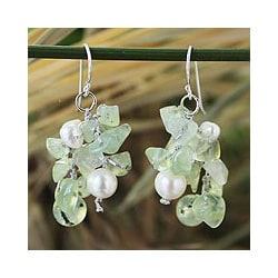Sterling Silver 'Whisper' Prehnite Pearl Earrings (3-7 mm) (Thailand)