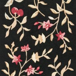 Simply Clean Botanical Hand-hooked Black Rug (2' 6 x 10')
