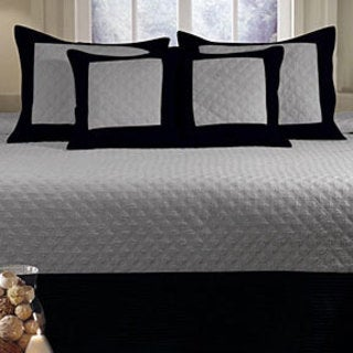 Brentwood Grey and Black Quilted 3-piece Bedspread Set