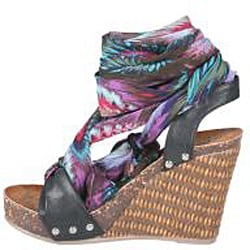 Refresh by Beston Women's 'Shania-01' Black Platform Wedge Sandals