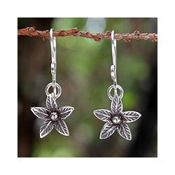 Sterling Silver 'Chiang Rai Lily' Earrings (Thailand)