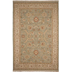 Hand-knotted Green/ Ivory Wool Rug (10' x 14')