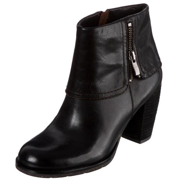 Naya Women's 'Lark' Zipper-embellished Ankle Boots