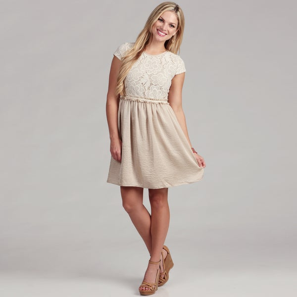 Gabby Skye Women's Ivory/ Champ Lace Dress