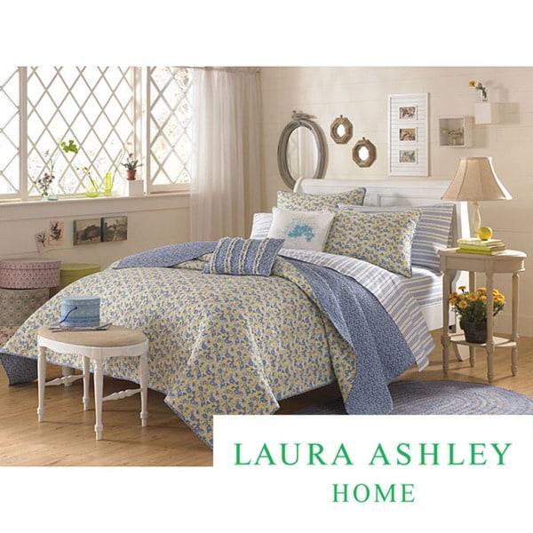 Laura Ashley 'Carlie' Blue King-size Quilt