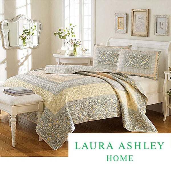 Laura Ashley 'Sheffield' Full/Queen-size Quilt
