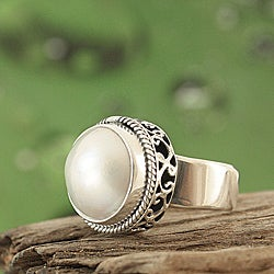 Handcrafted Mabe Pearl (12 mm) Bali Filigree Ring ( Indonesia)