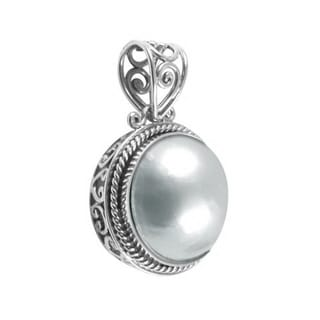 Sterling Silver White Freshwater Pearl Bali Necklace (15 mm)(Indonesia)