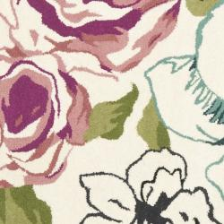 Safavieh Handmade Chatham Roses Ivory New Zealand Wool Rug (7' Round)