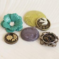 Prima Flowers 'Alla Prima' Vintage Buttons (Pack of 12)