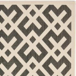"Safavieh Poolside Black/Bone Indoor/Outdoor Area Rug (5'3"" x 7'7"")"