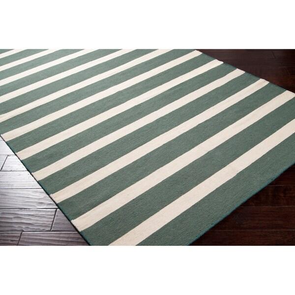 Hand-woven Green Wool Frontier Rug (5' x 8')