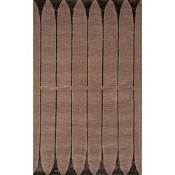 Hand-tufted Shimmer Light Brown Rug (8' x 10')