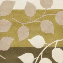 Safavieh Handmade Soho Garden Green New Zealand Wool Rug (2'6 x 8')