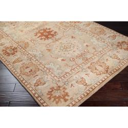 Hand-knotted Beige Belle Wool Rug (8' x 11')