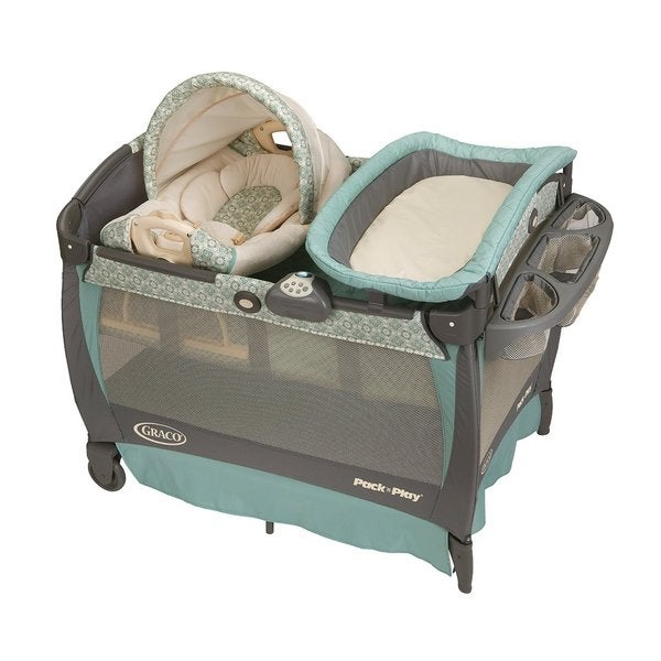 Graco Winslet Pack 'n Play with Cuddle Cove Rocking Seat 8895773