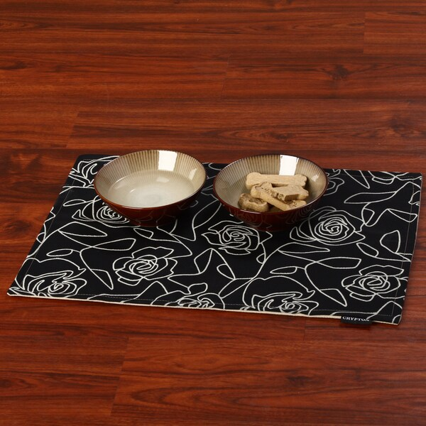 Crypton 'Bed of Roses' Black 26-Inch Mess Mat
