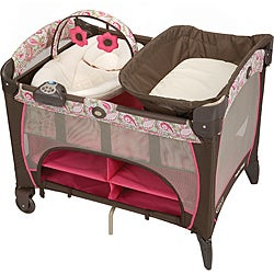 Graco Pack 'n Play Playard with Newborn Napper DLX in Jacqueline