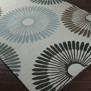 Hand-hooked Gray Lesser Indoor/Outdoor Geometric Rug (5' x 8')