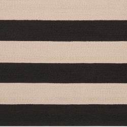 Hand-hooked Brown Snaring Indoor/Outdoor Stripe Rug (5' x 8')