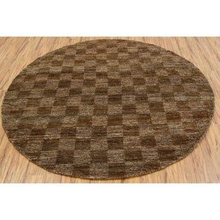 Hand-woven Mandara Brown Rug (7'9 Round)