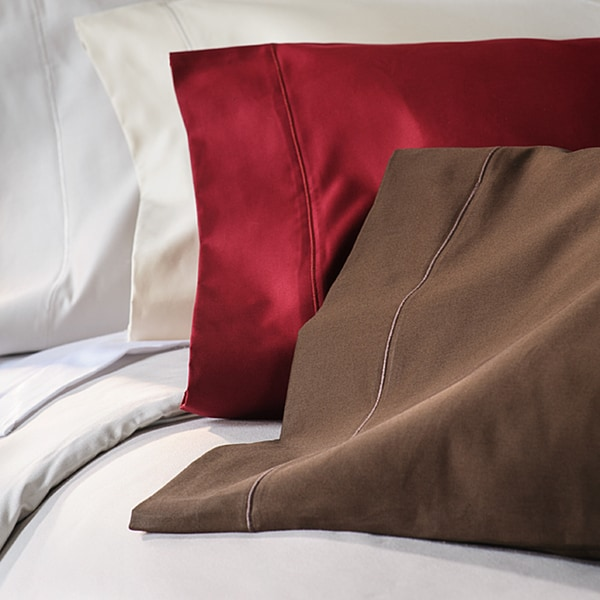 Cotton Sateen 1500 Thread Count Solid Marrow Stitch Pillowcases (Set of 2)