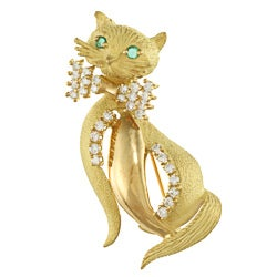 18k Gold 1ct TDW Diamond and Emerald Cat Estate Brooch (I-J, SI1-SI2)