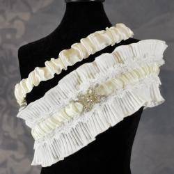 Heirloom Brooch Wedding Garter