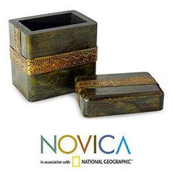 Mango Wood 'Jodhpur Gold' Brass Repousse Box (India)