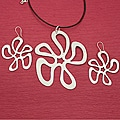 Handcrafted Alpaca Silver 'Dancing Flora' Necklace and Earrings Set (Mexico)