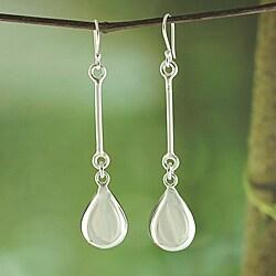 Handcrafted Alpaca Silver 'Teardrop Linear' Dangle Earrings (Mexico)