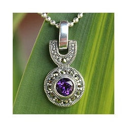 Sterling Silver 'Thai Iris' Marcasite and Amethyst Necklace (Thailand)