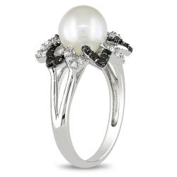 Miadora Sterling Silver Pearl and 1/4ct TDW Black and White Diamond Ring (H-I, I2-I3)