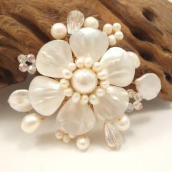 Mother of Pearl Floral Ray Pin (Thailand)