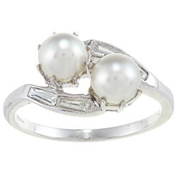 18k Gold Pearl and 1/4ct TDW Diamond Estate Ring (H-I, VS1-VS2) (5.5 mm)