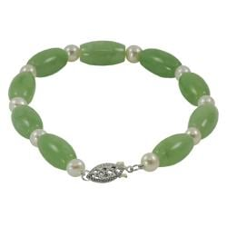 Sterling Silver Green Jade and White FW Button Pearl Bracelet (5-5.5 mm)