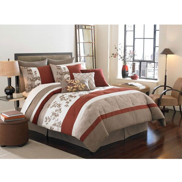 Segamore Queen Size 8-piece Bed in a Bag