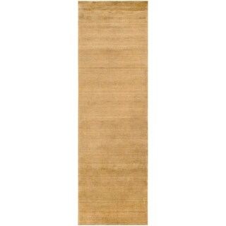 Handcrafted Gold Noble Wool Rug (2'6 x 8')