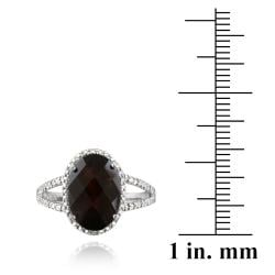 Glitzy Rocks Silver Oval Garnet and Diamond Accent Ring (5.5ct TGW)