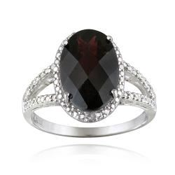 Glitzy Rocks Silver Oval Garnet and Diamond Accent Ring (5.5ct TGW)