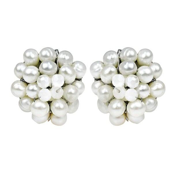 White Elegance Freshwater Pearl Chrysanthemum Clip On Earrings (Thailand)