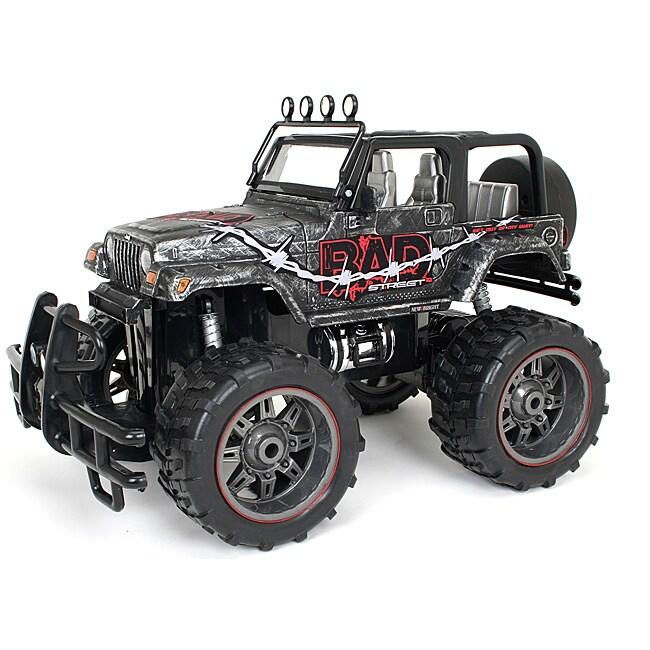 New Bright Remote Control 1:10-scale Bad Street Jeep Wrangler