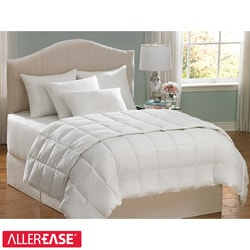 AllerEase Hot Water Washable Full/ Queen-size Hypoallergenic Comforter