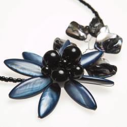 Blue Lily Mother of Pearl Floral Attention Choker (Thailand)