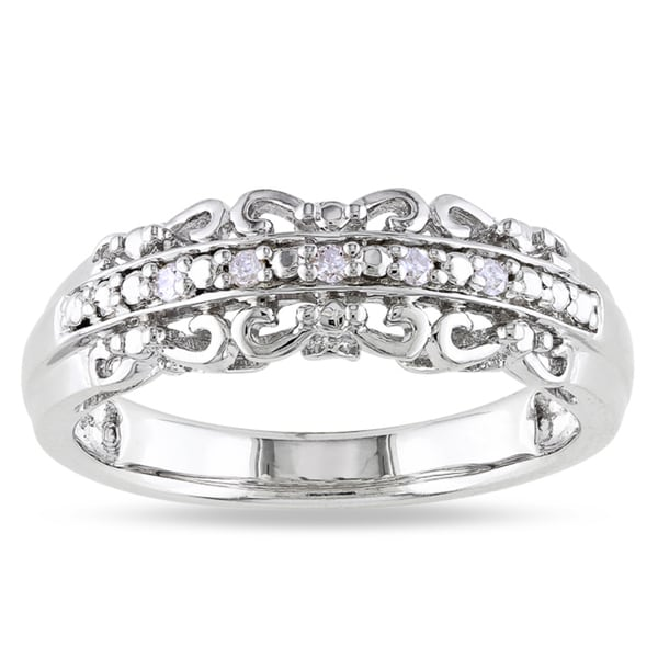 Haylee Jewels Sterling Silver Diamond Accent Ring with 'Mom' Inscription